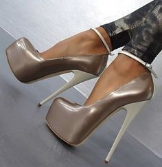 If u csm walk in these u are one goog lady #platformhighheelswalks