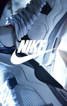"""Air Jordan 4 """"White Cement"""""""