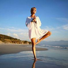 image by @nadacomoyoga  Hapiness is ... . . . . . . . . #yoga #yogalover #yogaeverydamnday #yogapose #yogainspiration #yogagoals #asana #healthy #fitgirl #instayoga #ocean #january #meditation #split #simplicity #love #loveyoga #smile #beach #photos #perfection #enjoy #goals #fitness #inspiration #inspire #yogi #landscape #lovelife #satnam