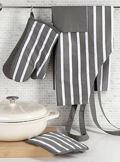 BBQ Oven Mitt and Kitchen Towel 3-Piece Set in Malibu Madras