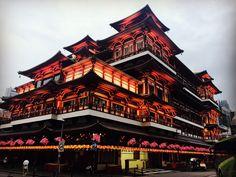 Buddha tooth temple , Singapore ! Beautiful 😍