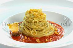 Spaghettini 'burro e alici', con riduzione di pomodoro 'a freddo' e croccante di parmigiano reggiano | Tra pignatte e sgommarelli