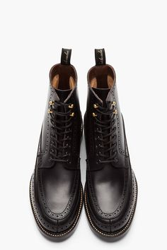 AUTHENTIC SHOE //  BLACK LONGWING BROGUE MOCCASIN BOOTS.