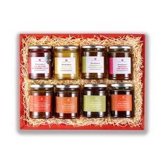 This delightful English Heritage selection of preserves presented in this attractive hamper will make a wonderful gift. A tasty selection of 8 preserves, including our famous lemon curd, Chutneys and Marmalades. There is a taste for everyone!