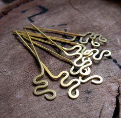 22 gauge Handmade Brass HeadPins by Jewelry-Findings-Supplies Diy Jewelry Findings, Brass Jewelry, Custom Jewelry, Pendant Jewelry, Jewelry Crafts, Beaded Crafts, Beading Jewelry, Jewelry Tools, Jewelry Storage