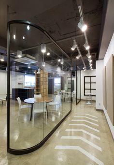Wiggle Wiggle Crayone Art Institute by studio i.m.a, Seoul office design