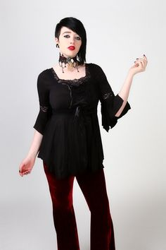 3/4 bell sleeve top with lace detail