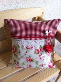 Diy Furniture Farmhouse Shabby Chic - New ideas Shabby Chic Pillows, Shabby Chic Crafts, Shabby Chic Bedrooms, Sewing Pillows, Diy Pillows, Decorative Pillows, Throw Pillows, Pillow Ideas, Cushion Embroidery