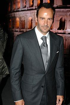 This dark grey suit. Tom Ford med grey