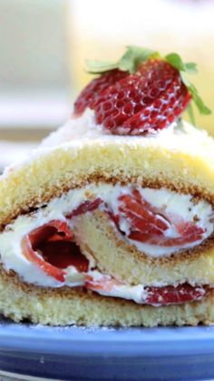 Cake nature fast and easy - Clean Eating Snacks Mini Desserts, Summer Desserts, Dessert Recipes, Biscuits Roses, Strawberry Shortcake Recipes, Hazelnut Cake, Holiday Cakes, Savoury Cake, Mini Cakes