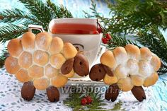 Печенье «Овечки» на Новый Год.  Печенье «Овечки» на Новый Год.   Предлагаем приготовить, среди других угощений на новогодний стол, вот таких забавных овечек.  Печенье готовится довольно легко и прос…