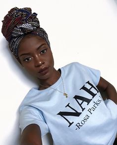 Finding makeup that flatters dark skin can be a challenge. Here's a guide to finding the best dark skin makeup, including foundation, lipsticks, and eyeshadows. Rosa Parks, Black Girls Rock, Black Girl Magic, Black Girl Style, Black Girl Shirts, Pretty Black Girls, Black Girl Fashion, Woman Fashion, Hair Afro