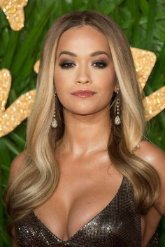 100 Crazy-Hot Pics of Rita Ora That Are Honestly Inspiring, Rita ora Haare, Rita Ora Pictures, Blond, Gorgeous Hair Color, Gorgeous Women, Beautiful, Gorgeous Lady, Hottest Pic, Oras, Celebs