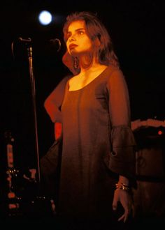 See Mazzy Star pictures, photo shoots, and listen online to the latest music. Hope Sandoval, Blue Jay Way, Mazzy Star, Marianne Faithfull, Old Makeup, Black Magic Woman, Cecil Beaton, Star Pictures, Aesthetic Photo
