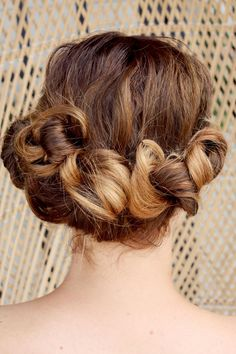 great hairstyle for the summer ,wedding or shopping w/ thw girls