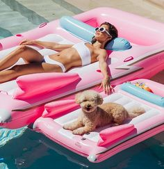 Pool Float Ideas FUNBOY Pink Cadillac + Dog Float Maternity Clothes Trends For most women, the most Funny Pool Floats, Dog Pool Floats, Pool Floats For Kids, Best Pool Floats, Giant Pool Floats, Lake Floats, Pink Cadillac, Piscine Diy, Summer Pool