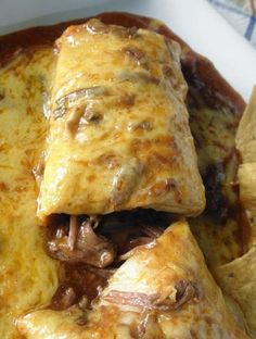 Chile Colorado Burritos in the crock pot! Chile Colorado Burritos are my favorite so I can't wait to make this! I hope it's as yummy as when my fiance makes it from scratch. Crock Pot Recipes, Crock Pot Cooking, Slow Cooker Recipes, Cooking Chef, Cooking Tips, Crock Pots, Freezer Recipes, Freezer Cooking, Recipes With Beef Stew Meat