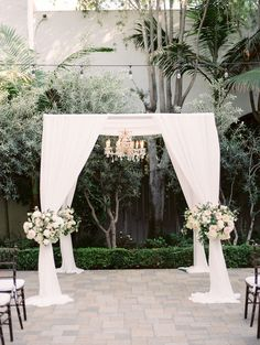 Featured photo: Jeremy Chou Photography; wedding ceremony idea