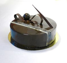 Marie Oiseau Pâtisserie Chocolate Truffle Cake, Cocoa Chocolate, Chocolate Delight, Chocolate Truffles, Crazy Cakes, Fancy Cakes, Mirror Glaze Cake, Mirror Cakes, Delicious Desserts