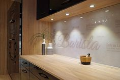 Galleri – Glamitec AS – Digitaltrykk på glass Bathroom Lighting, Conference Room, Art Deco, Mirror, Retro, Glass, Table, Furniture, Home Decor