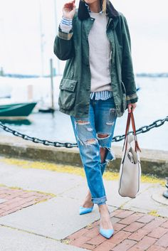 Jess Kirby of Prosecco & Plaid wearing a Barbour Beadnell Jacket and Ripped Boyfriend Jeans with Kitten Heels