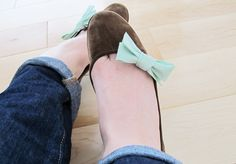 Spring Style: DIY Bow Shoe Clips