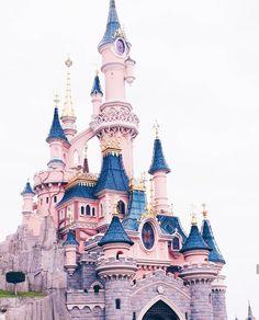 Disney Park Pictures ~M Disney Dream, Disney Love, Disney Magic, All Disney Parks, Disney Pixar, Disney Wallpaper, Pastel Wallpaper, Disney World Pictures, Park Pictures