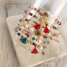 Diy Bracelets Easy, Christmas Jewelry, Jewlery, Delicate, Jewelry Making, Bangles, Bling Bling, How To Make, Handmade