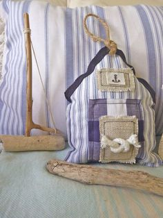 Charming beach huts from Beachcomber. Sewing Crafts, Sewing Projects, Lavender Sachets, Fabric Gifts, Sewing Pillows, Fabric Houses, Nautical Home, Quilting, Beach Crafts