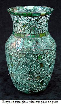 Patricia Clewell Mosaic Vase made of Recycled auto glass, vitreous glass on… Mosaic Planters, Mosaic Vase, Mosaic Flower Pots, Mosaic Garden, Mosaic Tables, Mosaic Crafts, Mosaic Projects, Mosaic Bottles, Mosaic Madness