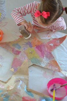 Make these paper stars from recycled brown bags, then stuff them to make them puffy! Space Crafts For Kids, Craft Activities For Kids, Preschool Crafts, Toddler Activities, Art For Kids, Cool Art Projects, Craft Projects, Craft Ideas, Creative Kids