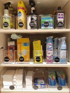 Linen Closet Organization, Home Organization Hacks, Bathroom Organisation, Kitchen Organization, Organizing Bathroom Closet, Medicine Cabinet Organization, Utility Closet, Cleaning Closet, Organize Cleaning Supplies