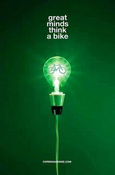 Biking! Las grandes mentes piensan en una bicicleta.