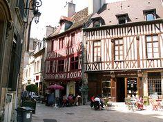 Dijon France http://www.happytellus.com/img/dijon/dijon-restau_736.jpg