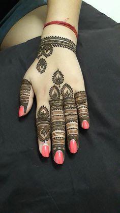 Indian Henna Designs, Stylish Mehndi Designs, Bridal Henna Designs, Arabic Mehndi Designs, Latest Mehndi Designs, Mehndi Designs For Hands, Henna Tutorial, Mehndi Design Pictures, Beautiful Mehndi
