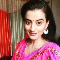 Image may contain: 1 person Bhojpuri Actress, Popular Actresses, Saree Photoshoot, Latest Hd Wallpapers, Glamorous Makeup, New Instagram, Hottest Photos, Photo Galleries, Sari