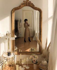 """image découverte par """"V"""". Découvrez (et enregistrez !) vos images et vidéos sur We Heart It Aesthetic Room Decor, Beige Aesthetic, Aesthetic Themes, Dream Apartment, French Apartment, Parisian Apartment, My New Room, Dream Bedroom, Room Inspiration"""
