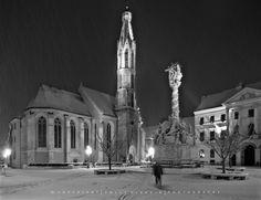 Már éjszaka esett a hó, alig vártam, hogy mehessek fotózni, a még kivilágított városba. Hat előtt indultam és fél nyolcig jártam az utcákat ... Statue Of Liberty, Marvel, Winter, Liberty Statue, Winter Fits, Winter Fashion