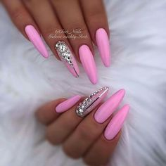 Beautiful nail art designs that are just too cute to resist. It's time to try out something new with your nail art. Sexy Nails, Dope Nails, Classy Nails, Stylish Nails, Fancy Nails, Bling Nails, Stiletto Nails, Trendy Nails, Pink Bling