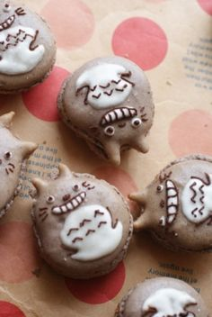 Totoro Macarons?! I love this movie and these would be so cute to make!!!!