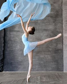 52 Trendy Ideas For Photography Dance Ballet Pictures Ballet Pictures, Dance Pictures, Ballet Art, Ballet Dancers, Ballerinas, Bolshoi Ballet, Dance Aesthetic, Nature Aesthetic, Ballet Dance Photography