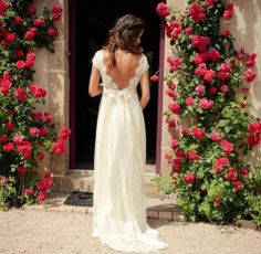 freaking out since this is EXACTLY what i want the back of my dress to look like