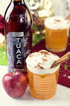 A quick and easy fall cocktail. Find out how to make the perfect drink for your next gathering, a Warm Apple Pie! Cocktail And Mocktail, Fall Cocktails, Summer Drinks, Cocktail Recipes, Apple Cocktails, Craft Cocktails, Warm Apple Cider, Spiced Cider, Fun Drinks Alcohol