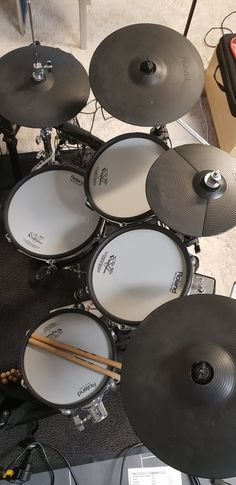 Music X, Music Stuff, Music Is Life, Drums Studio, Home Studio Music, Electric Drum Set, E Drum, Drum Cover, All About Music