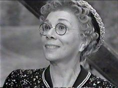 Aunt Dottie Hirsch Photo of Bea Benaderet as Cousin Pearl Bodine (Jethro's Mom) Irene Ryan, Donna Douglas, Buddy Ebsen, Petticoat Junction, The Beverly Hillbillies, Adams Family, You Make Me Laugh, Jethro, Hillbilly