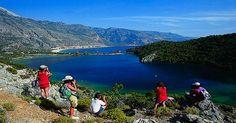Türkiye'nin turizm geliri 9 milyar dolara yükseldi  Türkiye'nin turizm geliri, ikinci çeyrekte, geçen yılın aynı dönemine göre yüzde 7,9 artarak 8 milyar 975 milyon 976 bin dolar oldu. Gelirin yüzde 84,5'i yabancı ziyaretçilerden elde edildi.  http://www.portturkey.com/tr/turizm/46476-turkiyenin-turizm-geliri-9-milyar-dolara-yukseldi