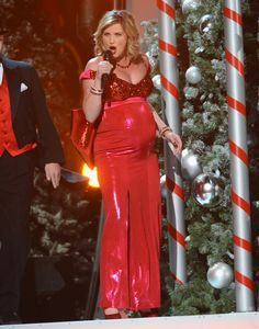 "Jennifer Nettles of Sugarland performs on ""CMA Country Christmas"" (2012)."