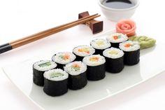La #recette des sushis (makis) au saumon et au gomasio précieux !