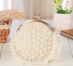 2017 Luxury Bridal Handbags New Arrival Pearls Pearls Bridal Hand Bags Cheap Wedding Accessories Bridal Clutches - - Beaded Clutch, Beaded Purses, Beaded Bags, Bridal Clutch, Wedding Clutch, Diy Purse Frame, Look Fashion, Fashion Bags, Wedding Accessories