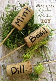 garden projects DIY Ideas for Your Garden - Wine Cork Garden Markers DIY - Cool Projects for Spring and Summer Gardening - Planters, Rocks, Markers and Handmade Decor for Outdoor Gardens Diy Gardening, Organic Gardening, Container Gardening, Vegetable Gardening, Vegetable Garden Markers, Flower Gardening, Garden Plant Markers, Gardening Direct, Apartment Gardening